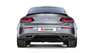 Akrapovič e nuovi impianti: si aggiunge la coupé alla stupefacente serie C 63 della Mercedes-AMG